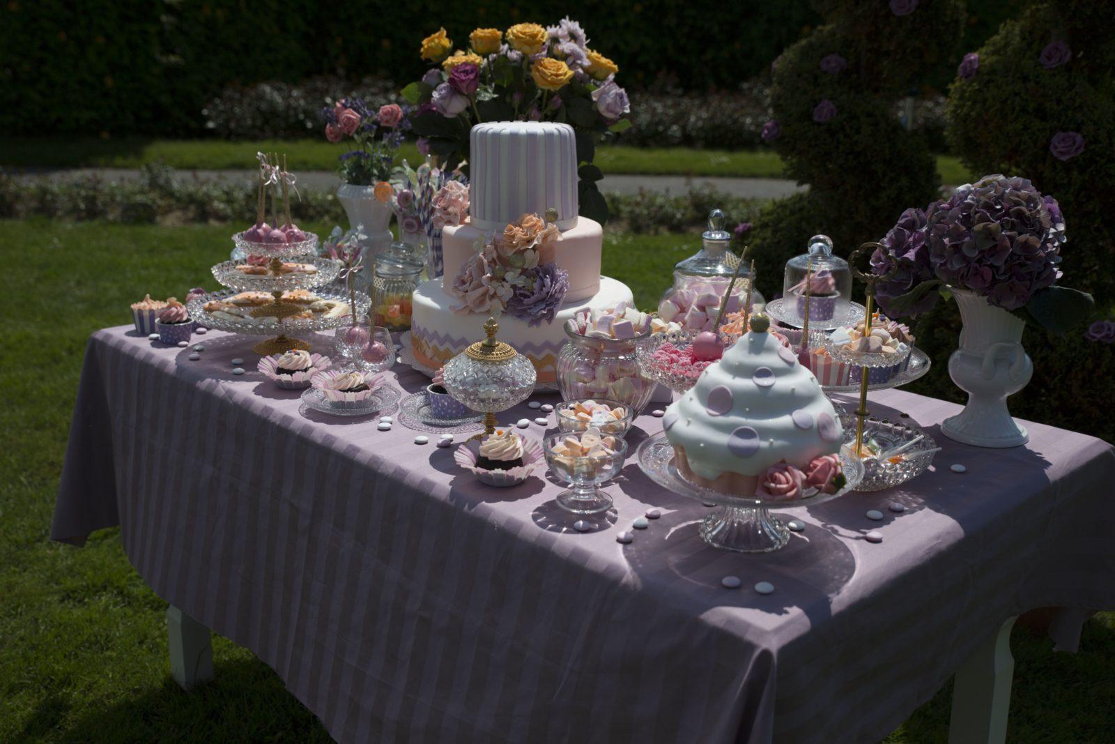 Sweet Candy Table in Flieder- und Pasteltönen