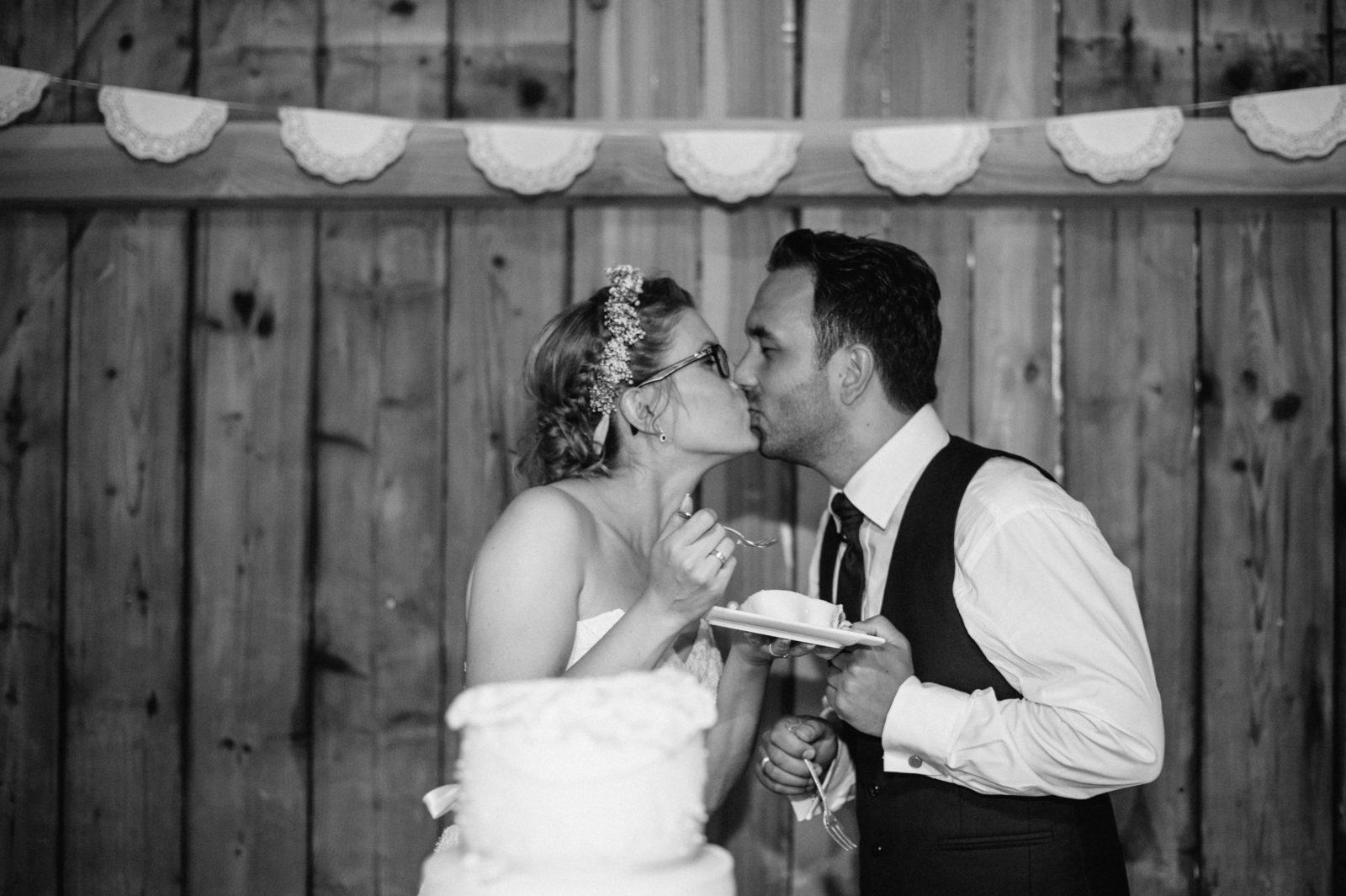 Hochzeitstorte & Kuss
