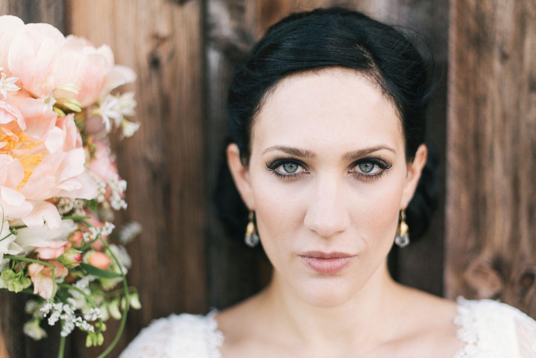 Hochzeit__vintagebraut_brautstraus_suess_und_salzig_Maisenburg_daniela_reske-apricot_hayingen