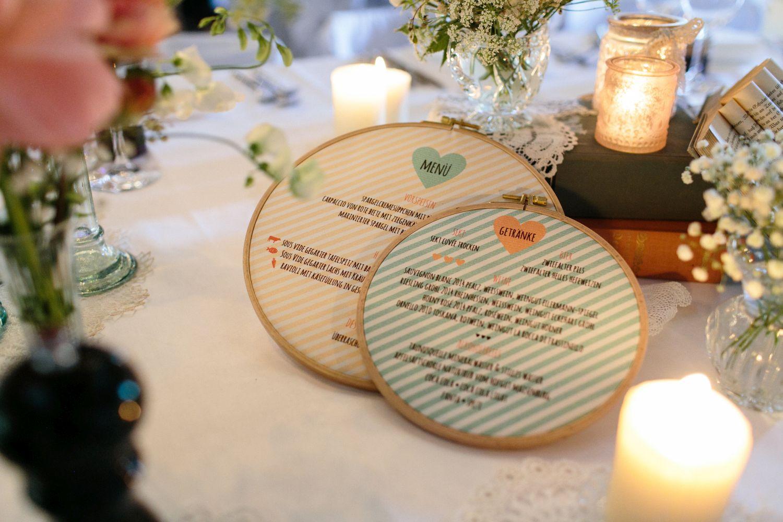 Hochzeit__vintagebraut_stickrahmnen_papeterie_suess_und_salzig_Maisenburg_daniela_reske-Sommer