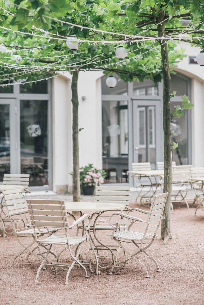 elements_deli_restaurant_garten