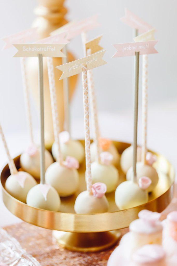 wedding_gold_peach_cake_pops