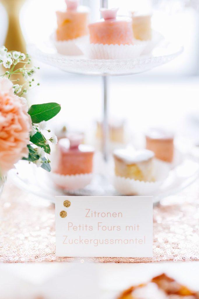 wedding_gold_peach_petit_fours