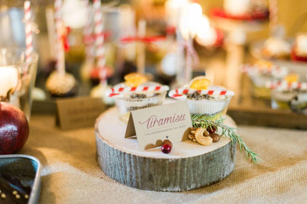 suess_und_salzig_maisenburg_winterhochzeit_sweet_candy_table_die_hochzeitsfotografen