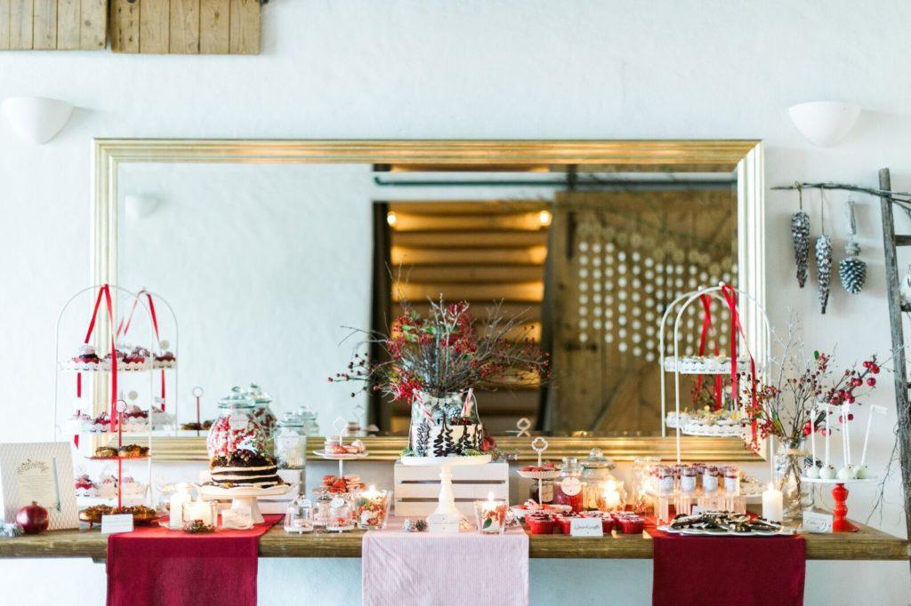 suess_und_salzig_maisenburg_winterhochzeit_sweet_candy_table_die_hochzeitsfotografen (2)