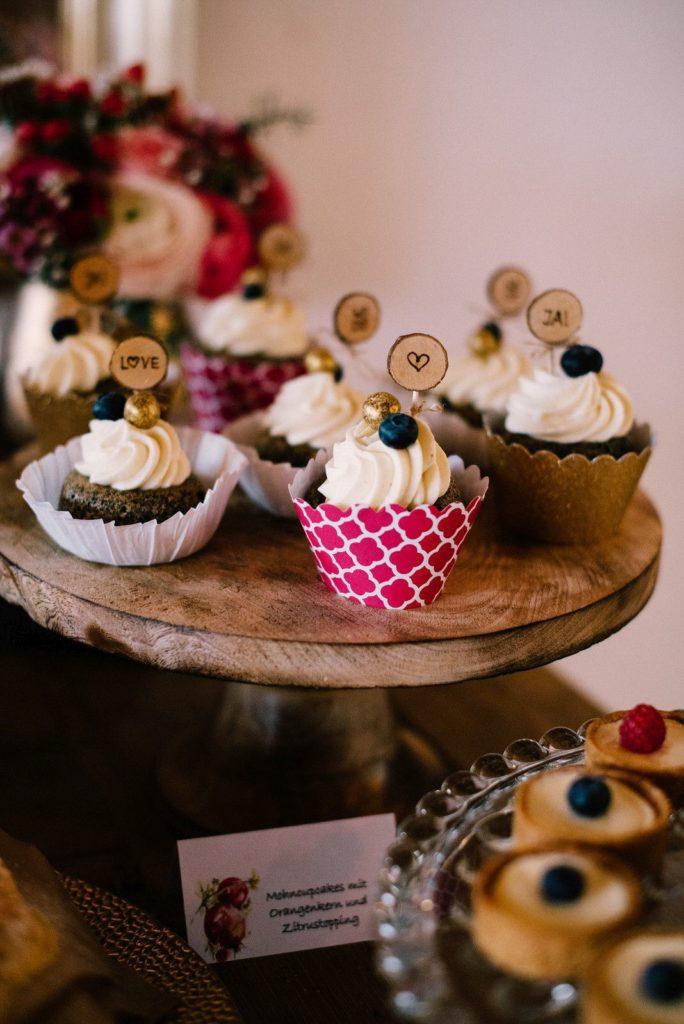 Winterhochzeit-maisenburg_cupcakes