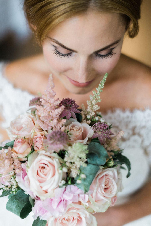 Hochzeitstorte_stuttgart_exklusiv-brautstrauss