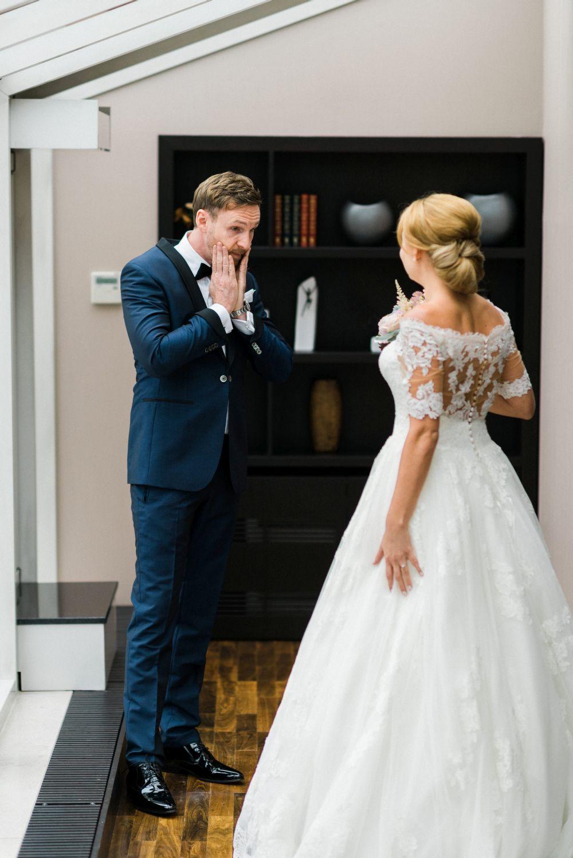 Hochzeitstorte_stuttgart_exklusiv-weddingpilots-brautkleid-first-look