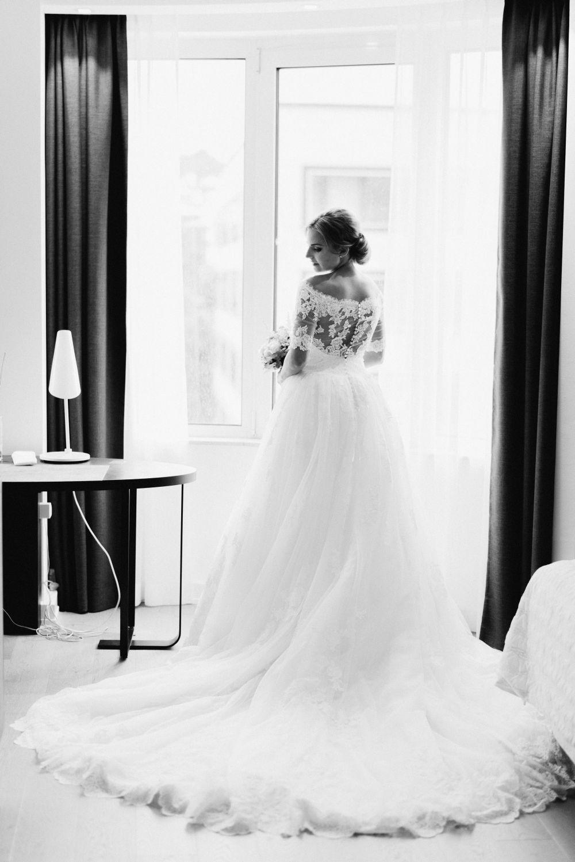 Hochzeitstorte_stuttgart_exklusiv-weddingpilots-brautkleid