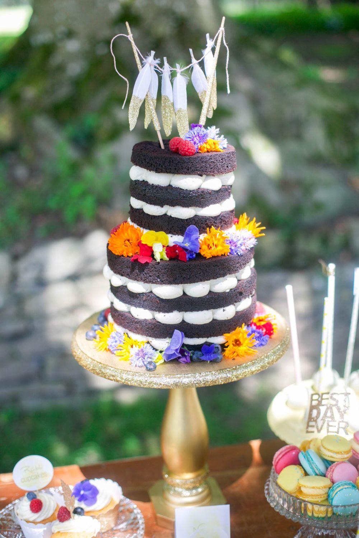 naked cakes mit frischen blumen