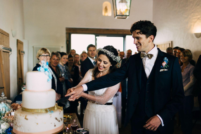 Wann Ist Der Beste Zeitpunkt Um Die Hochzeitstorte Anzuschneiden