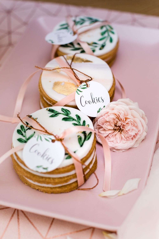 Hochzeitstorten_suess_und_salzig_kekse-Bemalt