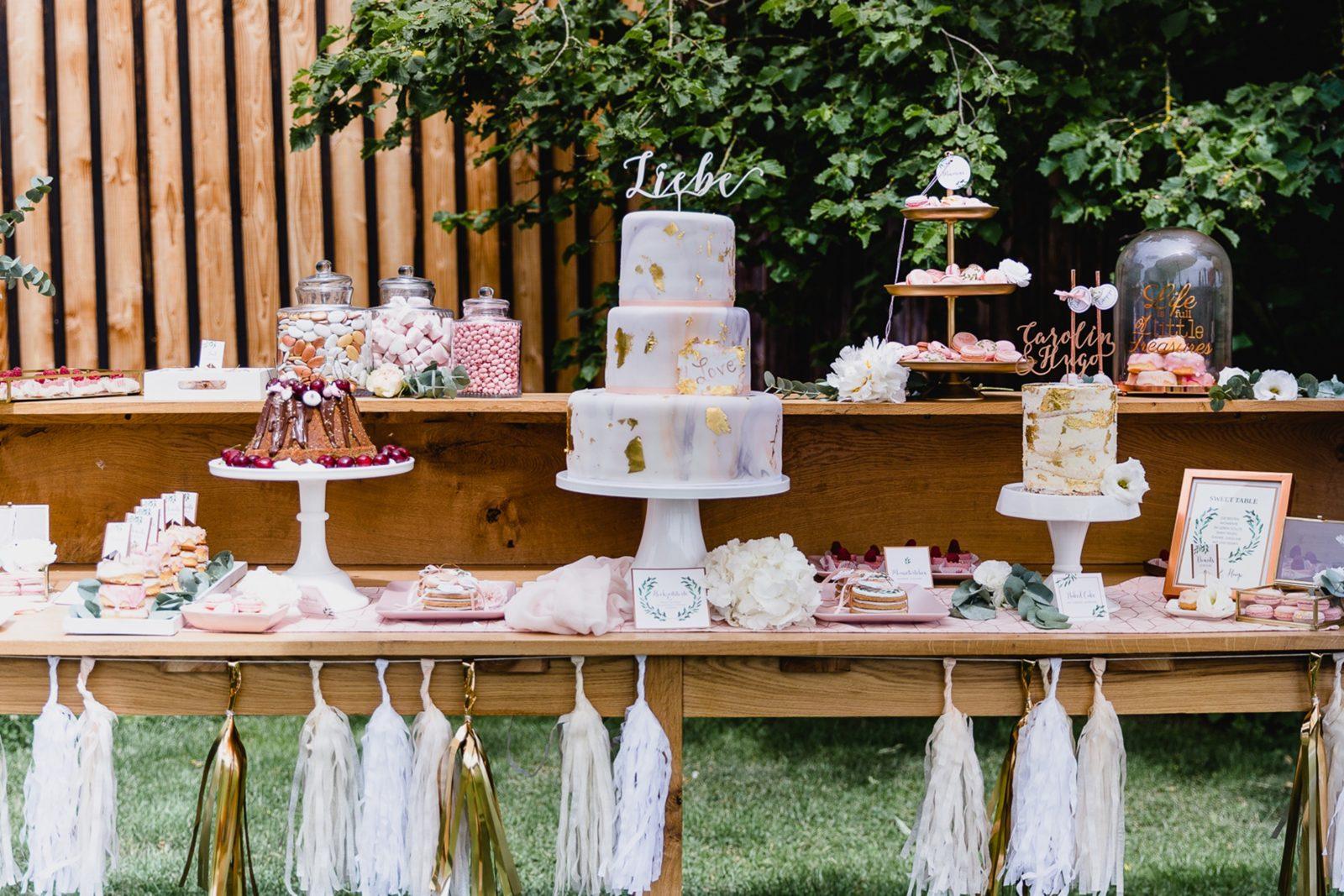 Hochzeitstorten_suess_und_salzig_candy Bar