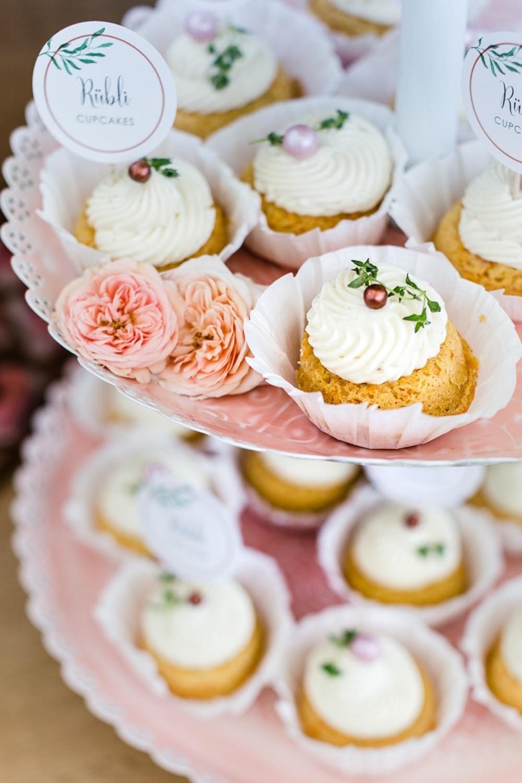 Hochzeitstorten_suess_und_salzig-Cupcakes