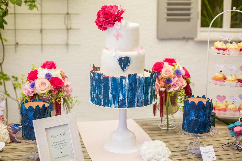 Hochzeit Sweet Table Hochzeitstorte himbeeren