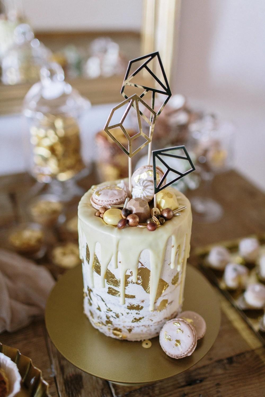 Hochzeit maisenburg gold taupe hochzeitstorte suess-und-salzig dripping cake