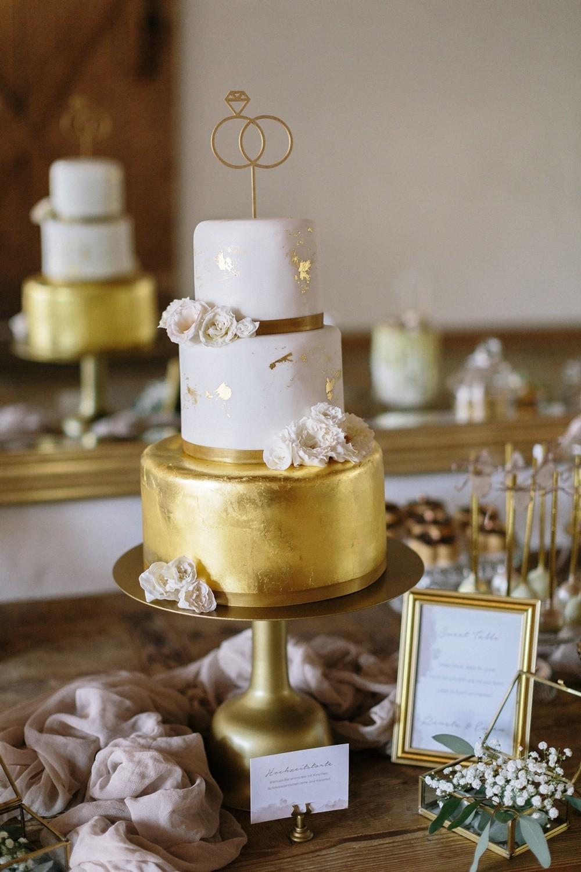 Hochzeit maisenburg gold taupe hochzeitstorte suess-und-salzig macaron