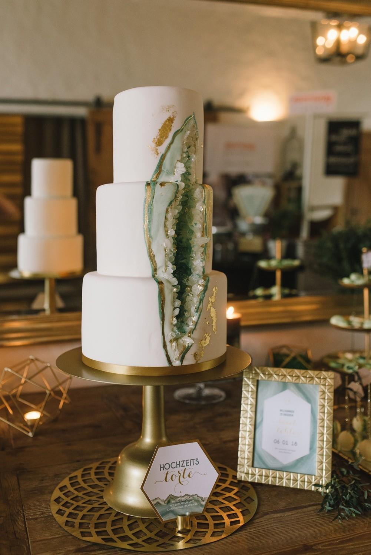 geode hochzeit torte kristall