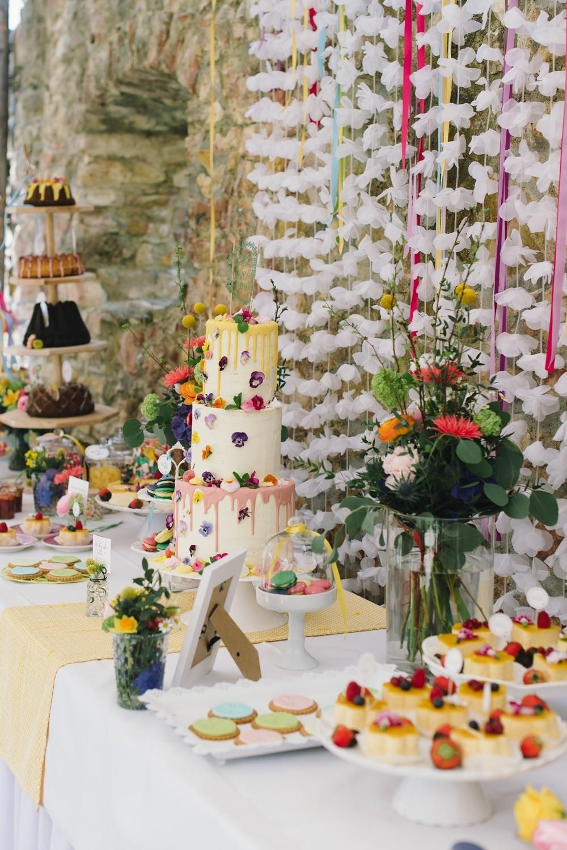 hochzeitstorte semi naked cake maisenburg