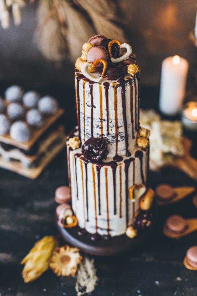 Drippingcake-karamell_hochzeitstorte_