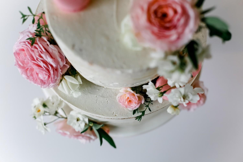 Hochzeitstorte-Rosen_