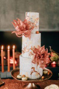 Stylische-Hochzeitstorte-concretecake-