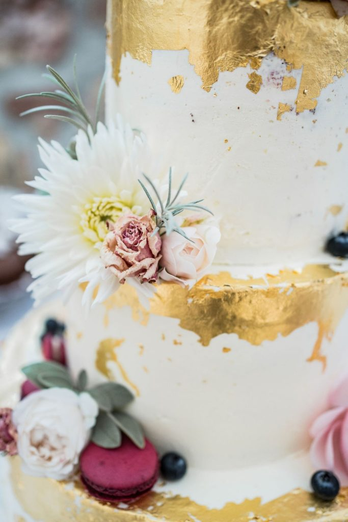 Semi-naked-cake-